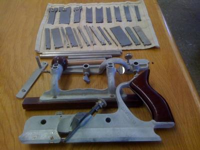 Craftsman Combination Plane, Wood Box & 23 Blades