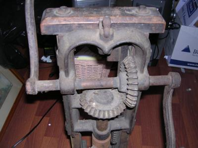 Wood and Metal Double Handled Drill Press